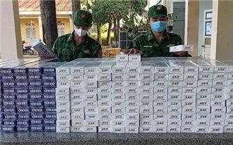 Bắt 2 vụ vận chuyển hơn 10.000 gói thuốc lá ngoại và 3 đối tượng xuất, nhập cảnh trái phép qua biên giới