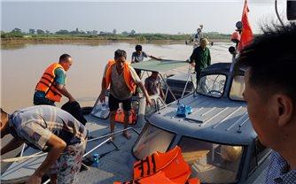 Bộ đội Biên phòng Thanh Hóa cứu 6 ngư dân bị chìm tàu trên biển