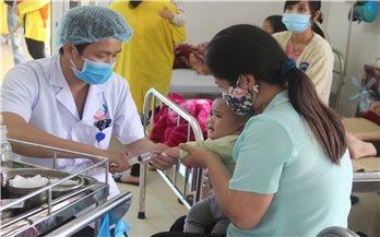 Lào Cai: Gia tăng bệnh nhi mắc các bệnh về hô hấp