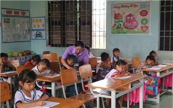Nâng cao chất lượng giáo dục vùng DTTS ở Khánh Hòa: Cần những giải pháp hiệu quả hơn