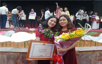 Nữ sinh dân tộc Thái với bí quyết học tốt môn xã hội