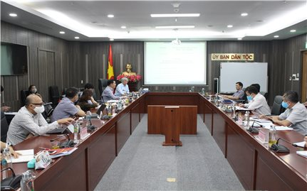 Bộ trưởng, Chủ nhiệm Đỗ Văn Chiến làm việc với Học viện Dân tộc