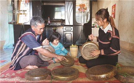 Già làng Rah Lan Hào: Điểm tựa vững chắc của làng Hăng Rinh