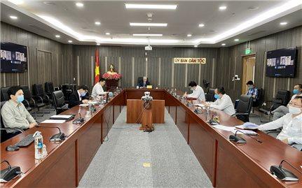 Bộ trưởng, Chủ nhiệm Ủy ban Dân tộc Đỗ Văn Chiến làm việc với Giám đốc Quốc gia Ngân hàng Phát triển châu Á tại Việt Nam