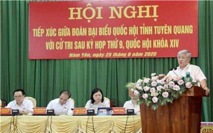 Bộ trưởng, Chủ nhiệm UBDT Đỗ Văn Chiến tiếp xúc cử tri huyện Chiêm Hóa và huyện Hàm Yên
