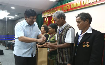 Ủy ban Dân tộc gặp mặt Đoàn đại biểu Người có uy tín trong đồng bào DTTS tỉnh Quảng Ngãi