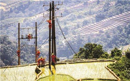 Điện chưa đến nên nghèo chưa đi