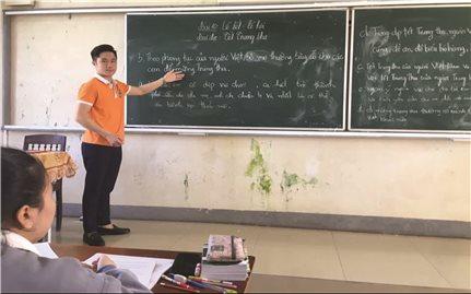 """""""Sứ giả"""" gắn kết sinh viên Việt - Lào"""