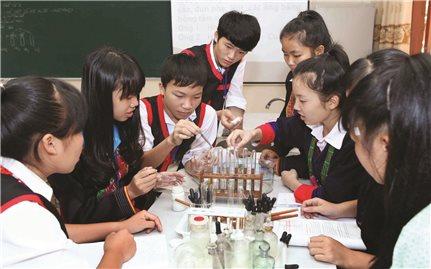 Xây dựng trường chuẩn quốc gia: Giải pháp nâng cao chất lượng giáo dục vùng DTTS