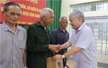 Bộ trưởng, Chủ nhiệm UBDT Đỗ Văn Chiến làm việc tại tỉnh Cao Bằng