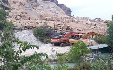 Xử lý trách nhiệm cán bộ để xảy ra khai thác đá trái phép tại núi Hòn Chà