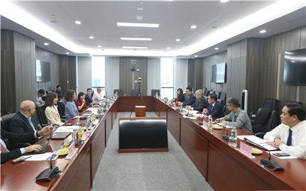 Bộ trưởng, Chủ nhiệm Ủy ban Dân tộc làm việc với Giám đốc Ngân hàng Thế giới tại Việt Nam