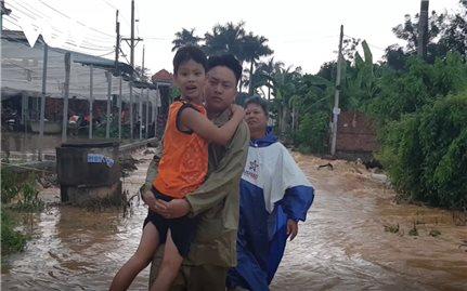 Lũ bất ngờ tràn về, hàng trăm hộ dân ở Bình Phước bị ảnh hưởng