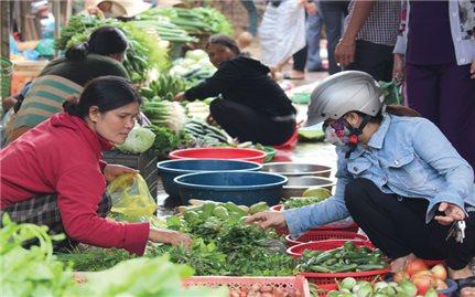 Gia Lai: Chợ làng trong phố
