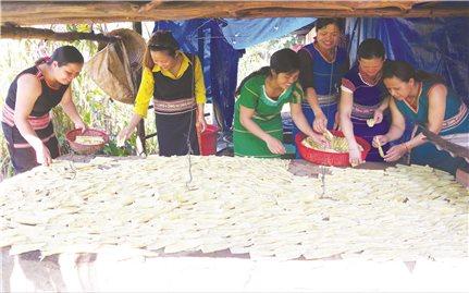 Lò sấy măng khô ở Kon Tum: Mô hình nhỏ, hiệu quả lớn