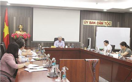 Bộ trưởng, Chủ nhiệm UBDT Đỗ Văn Chiến làm việc với Vụ Tổ chức cán bộ