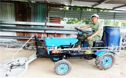 Gia Lai: Chân dung anh nông dân sáng chế máy nông nghiệp mini đa chức năng