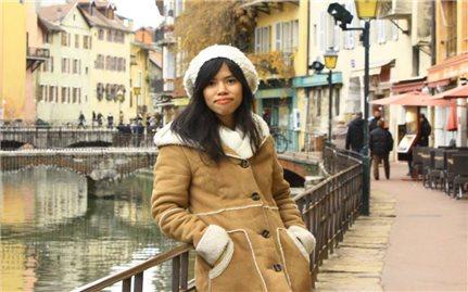 Những người dịch thư thầm lặng, kết nối con người Việt-Pháp