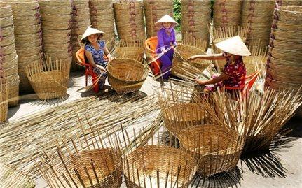 Phát huy mô hình đan lát truyền thống của người Khmer
