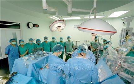 Bệnh viện Trung ương Huế thực hiện thành công ca ghép tim xuyên Việt đặc biệt
