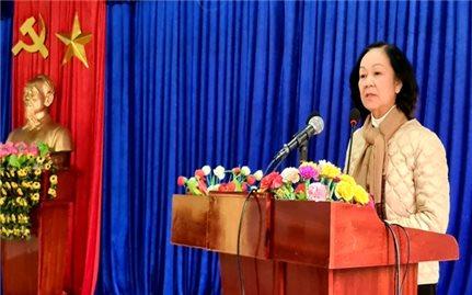 Chăm lo cho người dân Trà Leng, đặc biệt là các gia đình bị thiệt hại có tết đầm ấm