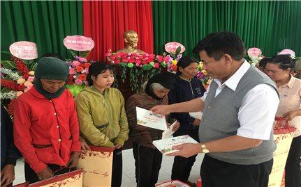Thứ trưởng, Phó Chủ nhiệm Y Thông thăm và làm việc tại 2 huyện miền núi của tỉnh Phú Yên