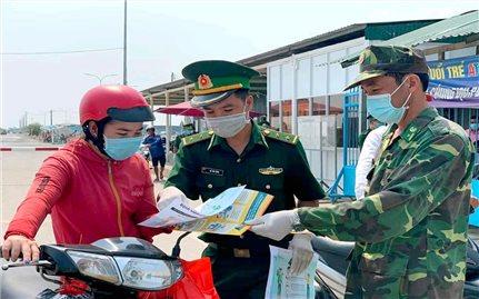An Giang: Hỗ trợ vật tư y tế cho người Khmer gốc Việt ở Campuchia phòng, chống dịch COVID -19