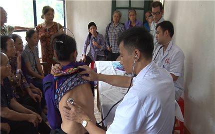 Phát triển nguồn nhân lực y tế vùng DTTS và miền núi: Cần có chính sách đãi ngộ phù hợp (Bài 3)