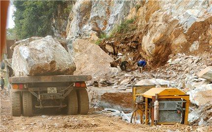 Văn Chấn (Yên Bái): Lợi dụng giấy phép thăm dò khoáng sản để khai thác tài nguyên trái phép?