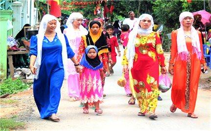 Du Xuân ở làng Chăm An Giang