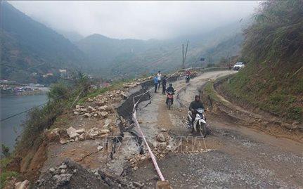 Sụt lún nghiêm trọng trên tỉnh lộ 152 thuộc thị xã Sa Pa