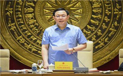 Chủ tịch Quốc hội Vương Đình Huệ làm việc với Thường trực Hội đồng Dân tộc