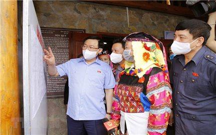 Chủ tịch Quốc hội Vương Đình Huệ thăm và làm việc tại tỉnh Hà Giang