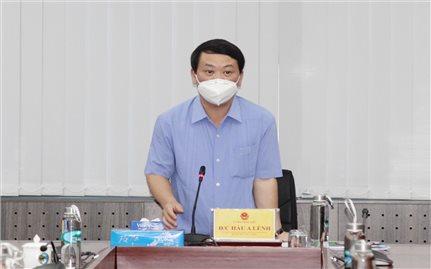 Bộ trưởng, Chủ nhiệm Hầu A Lềnh làm việc với Nhà khách Dân tộc