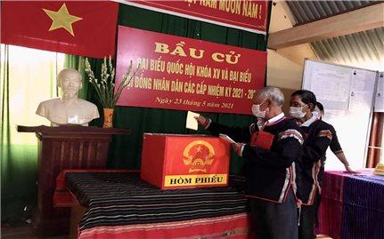 Đồng bào các dân tộc ở Tây Nguyên hân hoan đi bầu cử