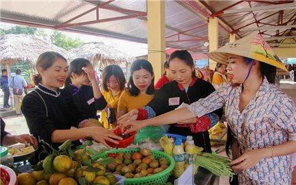 Hướng phát triển mới của chợ phiên Hà Lâu