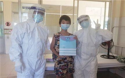 Tết thiếu nhi đặc biệt tại bệnh viện điều trị bệnh nhân Covid-19