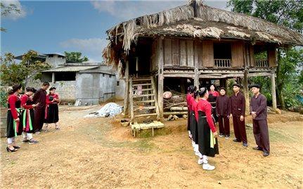 Tự hào bản sắc văn hóa Cao Lan