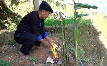 Lễ cúng ruộng của người Mông ở Mù Cang Chải