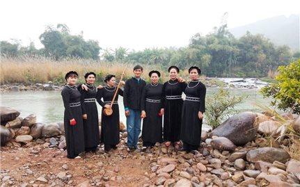 Người Cao tuổi thôn Cửa Khẩu giữ gìn bản sắc văn hóa dân tộc