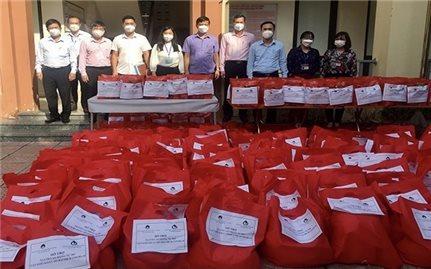 1.000 suất quà dành tặng cho lao động tự do gặp khó khăn trên địa bàn Hà Nội