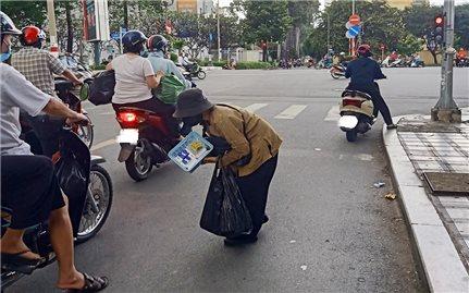 TP. Hồ Chí Minh: Cần có giải pháp hỗ trợ người lang thang, vô gia cư trong tình hình mới