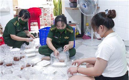 Hội Phụ nữ BĐBP Sóc Trăng chung sức phòng chống dịch Covid-19
