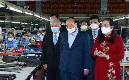 Chủ tịch nước thăm các doanh nghiệp tiêu biểu do Người cao tuổi quản lý, điều hành