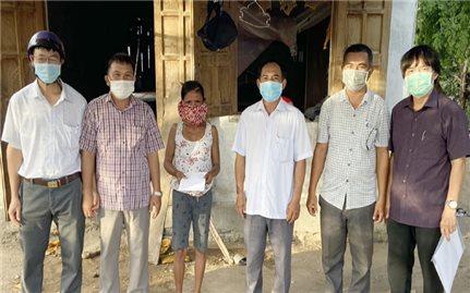 Ban dân tộc tỉnh Phú Yên hỗ trợ 7 hộ đồng bào DTTS bị nhiễm Covid-19