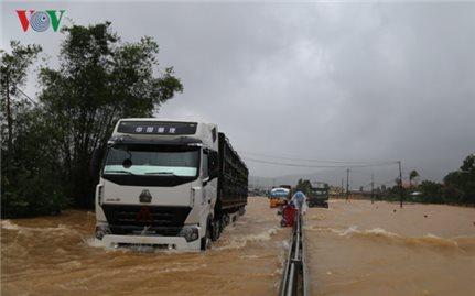 Miền Trung đối diện với lụt lịch sử