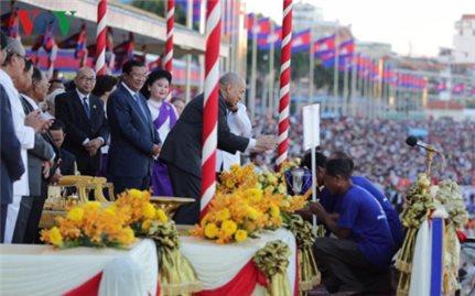 Campuchia tưng bừng tổ chức lễ hội Óc Om Bóc