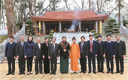 Phó Chủ tịch Thường trực Quốc hội Tòng Thị Phóng dự Lễ Khánh thành Nhà tưởng niệm Hồ Chí Minh tại huyện Thuận Châu, Sơn La