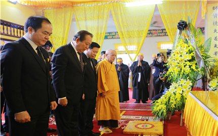 Phó Thủ tướng Thường trực viếng Phó Pháp chủ Giáo hội Phật giáo Việt Nam