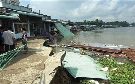 Ứng phó với sạt lở tại Đồng Bằng Sông Cửu Long: Dù cấp bách nhưng vẫn phải chờ vốn
